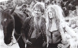 Blackjack-the-horse-George-Segal-as-Charlie-Malloy-and-Goldie-Hawn-as-Bluebird-in-The-Duchess-and-the-Dirtwater-Fox-1976