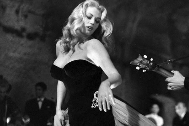 Film-review-La-Dolce-Vita-1959-2-e1455115703162