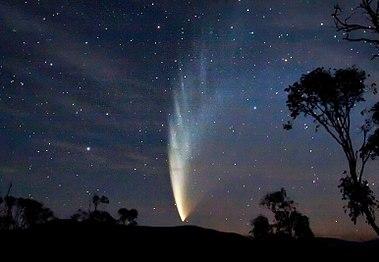 379px-Comet_P1_McNaught02_-_23-01-07-edited
